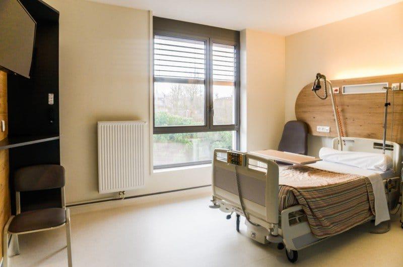 Dr La Marca, Chirurgien Plasticien - hospitalisation à la clinique du Val d'Ouest